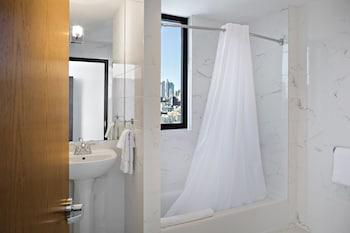 Orchard Street Hotel - Bathroom  - #0