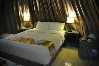 https://i.travelapi.com/hotels/12000000/11770000/11767200/11767133/41206874_b.jpg