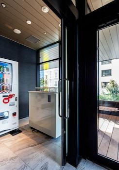 DAIWA ROYNET HOTEL GINZA Vending Machine