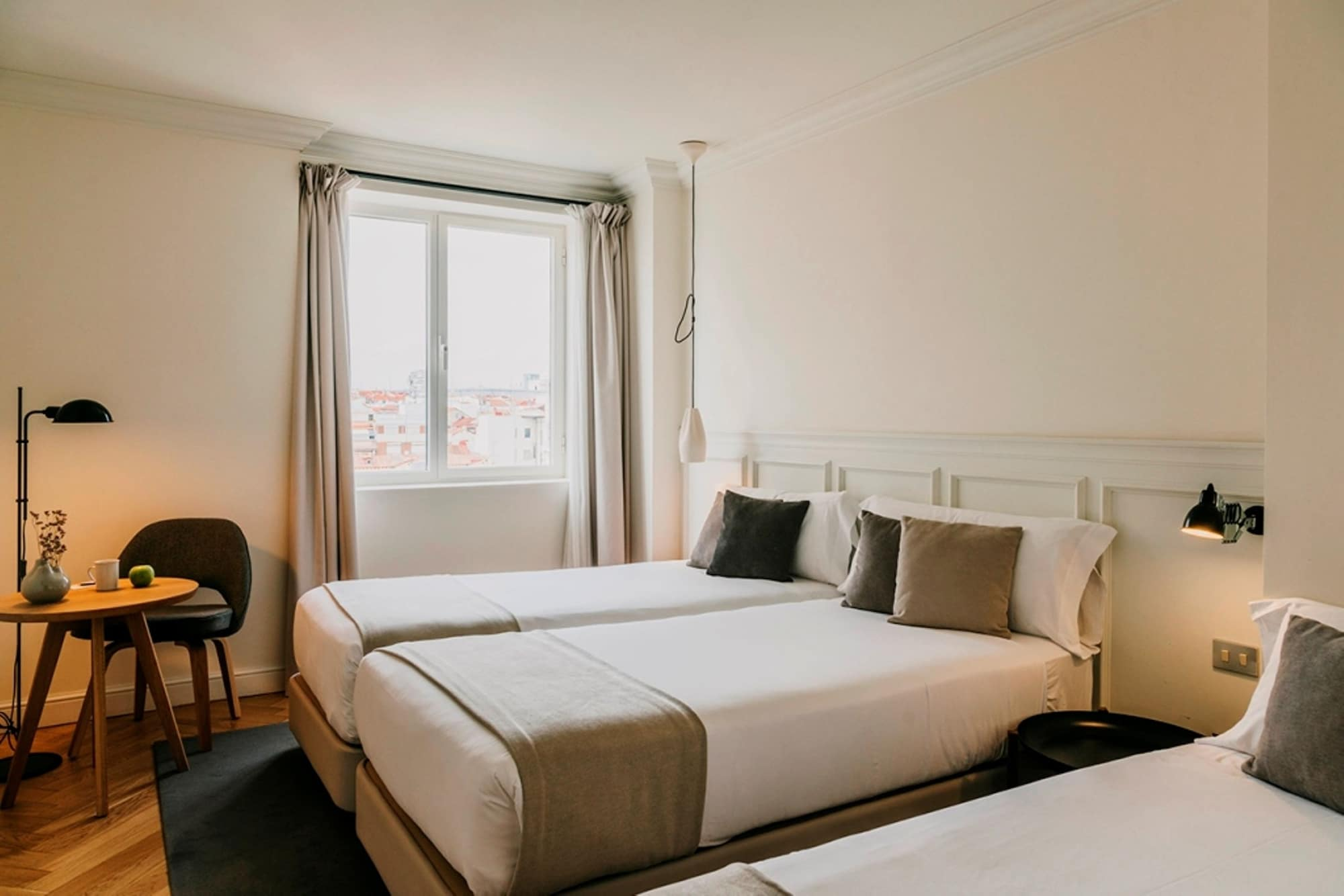 Deluxe Triple Room, Non Smoking, City View