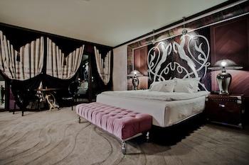 Royal Castle Design & Spa