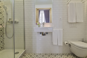 Uma Suites Pau Claris Barcelona - Bathroom  - #0