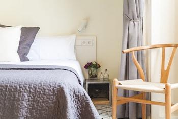 Uma Suites Pau Claris Barcelona - Guestroom  - #0
