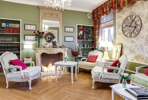 . Hôtel & Spa Le Petit Castel Beuzeville-Honfleur