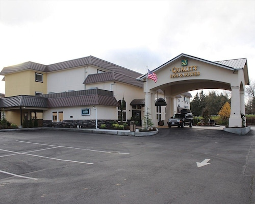 . Quality Inn & Suites Tacoma - Seattle