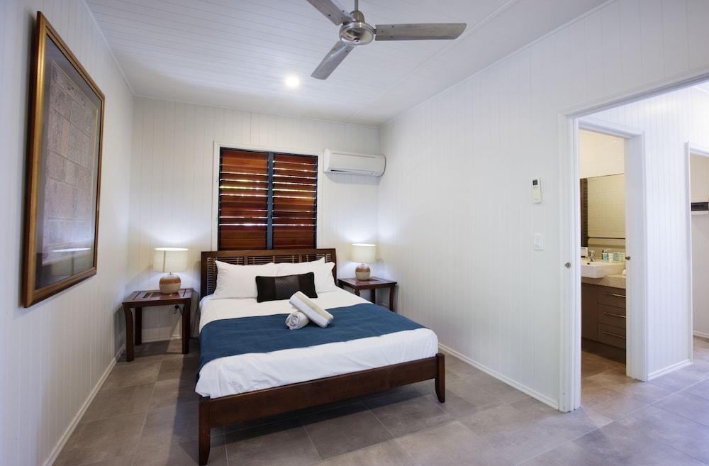 https://i.travelapi.com/hotels/12000000/11790000/11788100/11788020/5aded546_z.jpg