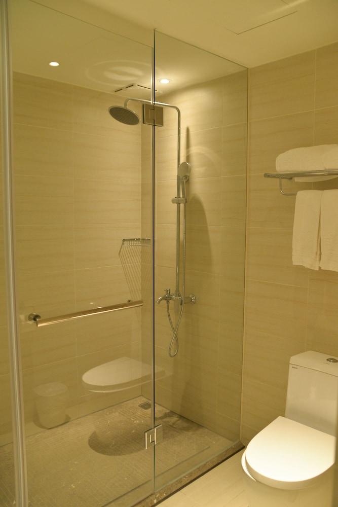 호텔이미지_Bathroom Shower
