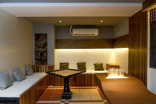 Z Hostel, Makati City