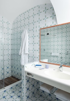 Hotel Mamela - Bathroom  - #0