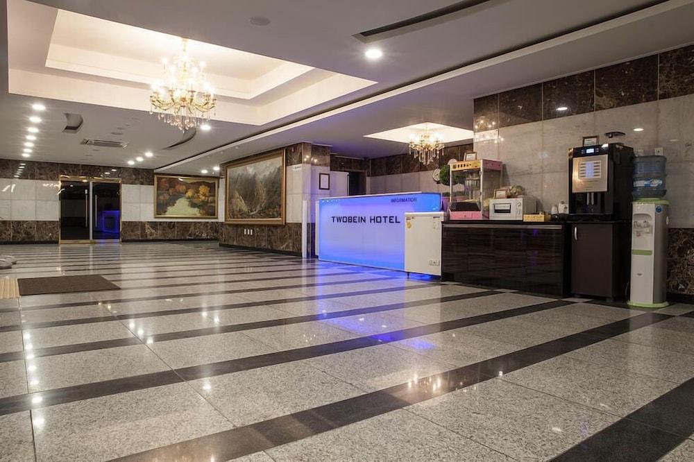 トゥービーイン ホテル