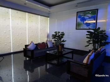 Blueberry Tourist Hotel Davao Lobby Sitting Area