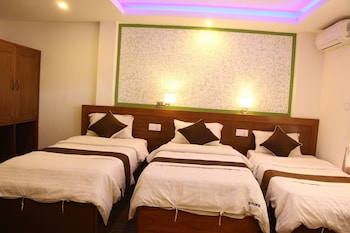 Premium Shared Dormitory, 3 Single Beds, Shared Bathroom