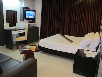 The Metropolis Suites Davao Room