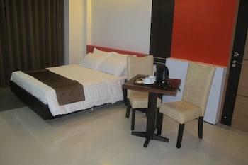 Deluxe Suite, 1 Double Bed, Bathtub