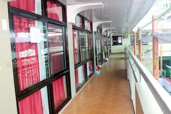 Nikita's Place Hotel Mindoro Hallway