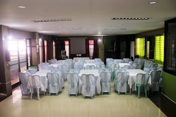 Nikita's Place Hotel Mindoro Meeting Facility