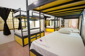 Shared Dormitory, Mixed Dorm, Shared Bathroom (16 Beds)