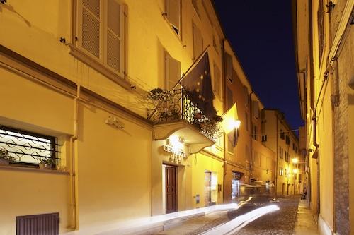__{offers.Best_flights}__ Hotel Cervetta 5