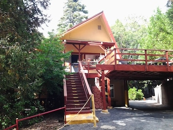 Hotel - Arrowhead Mountain Inn