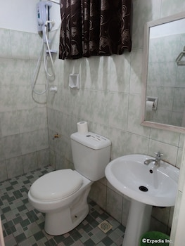 Whites and Greens Beach Resort - Bathroom  - #0
