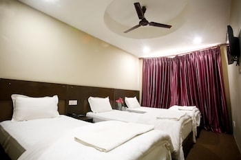 Deluxe Double or Twin Room, Private Bathroom
