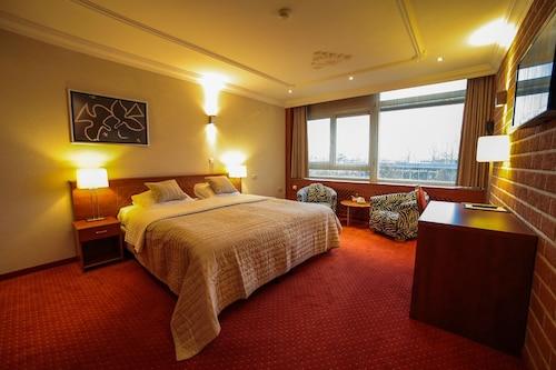 . Amicitia Hotel