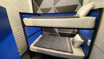 Double Room (1 bunk bed)