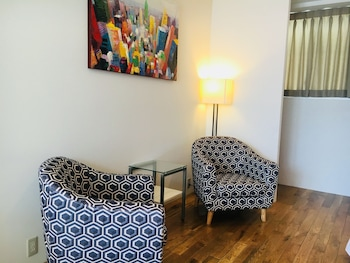 SANTIAGO GUESTHOUSE HIROSHIMA – HOSTEL Living Area