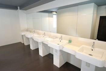 SANTIAGO GUESTHOUSE HIROSHIMA – HOSTEL Bathroom