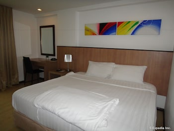 Prestigio Hotel Apartments Cebu Featured Image