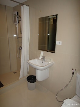 Prestigio Hotel Apartments Cebu Bathroom
