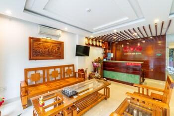 OYO 389 ゴールド サマー ホテル
