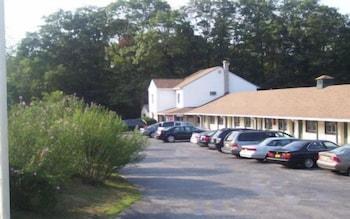 Shore Hills Motel