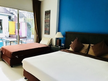 Standard Triple Beds