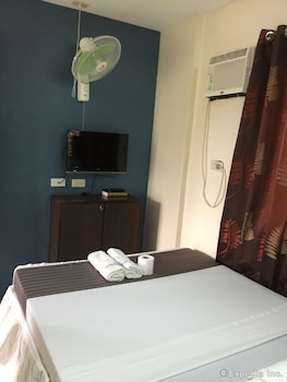 Coron Paradise Bed & Breakfast Guestroom