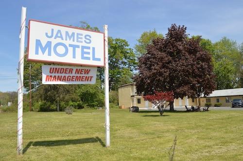 . James Motel