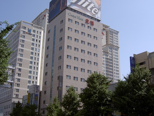 Busan Central Hotel, Yeonje