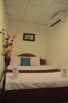 Medium Double Room with Aircon