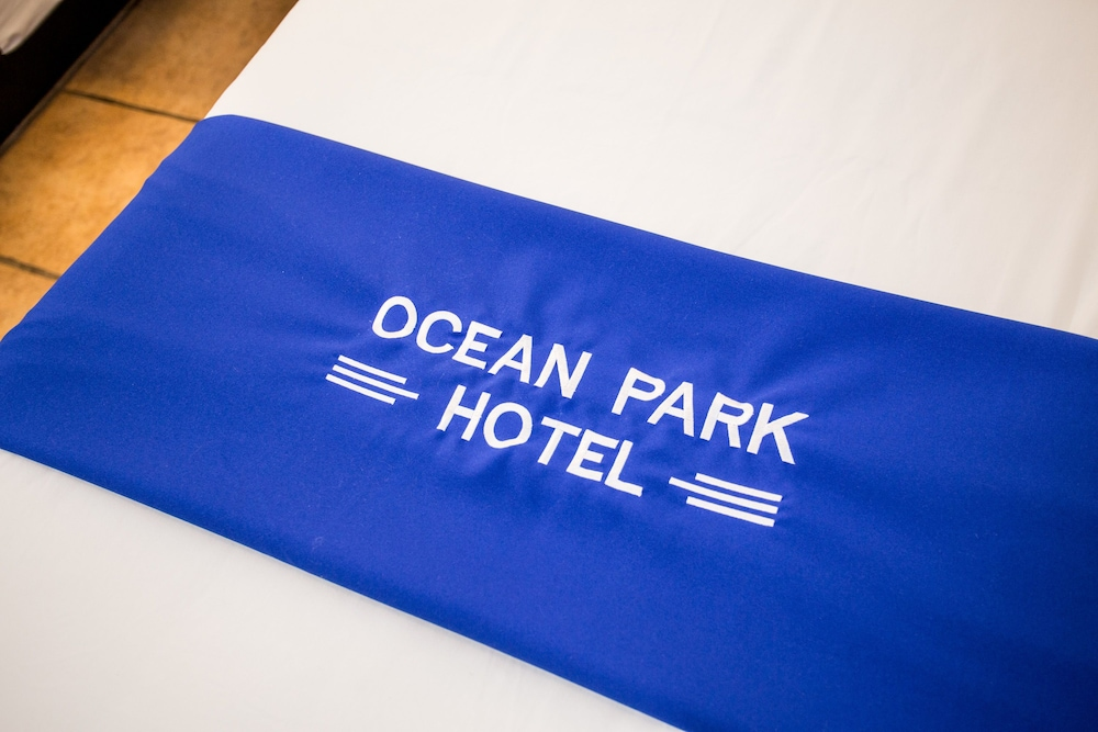 https://i.travelapi.com/hotels/12000000/11900000/11898400/11898364/14623534_z.jpg