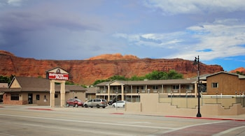 博文汽車旅館 Bowen Motel