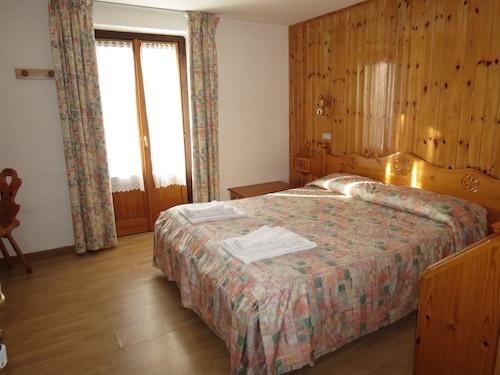 Hotel Col Serena, Aosta