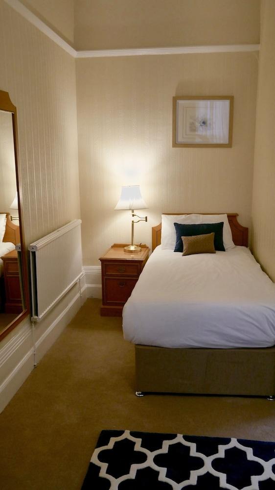 Trivelles Belforte Hotel, Trafford