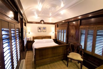 Classic Double Room, Ensuite (Pullman Carriage)