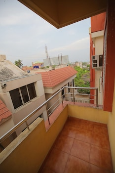 Hotel Pushpa - Berries Group of Hotels - Balcony  - #0