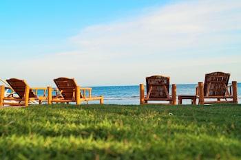 Kav's Beach Resort Negros Oriental Sundeck