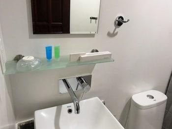 Kav's Beach Resort Negros Oriental Bathroom