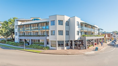 The Brighton Apartments, Lake Macquarie - West