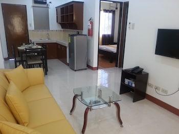 A Family Apartelle Bohol Living Area