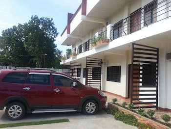 A Family Apartelle Bohol Exterior