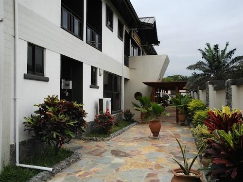 Takoradi Standard Hotel, Shama Ahanta East